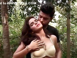 Shruthi Bhabhi Hot Friend Wifey Ke Jism